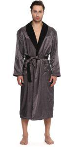 Men's essential reading robe