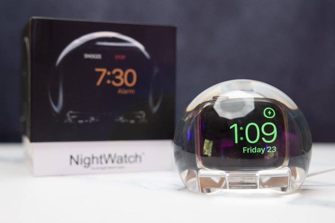 NightWatch Magnifying Clock Dock for Apple Watch